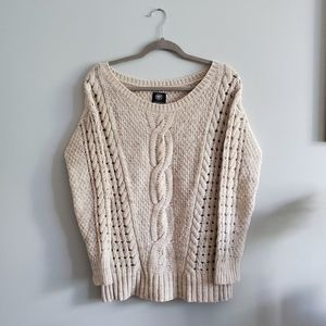 American Eagle | Medium | Cable Knit Sweater